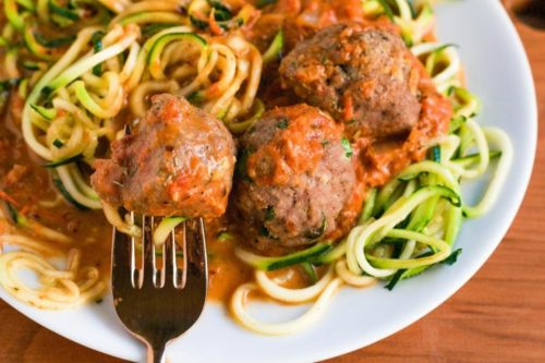 zoodles and meatballs